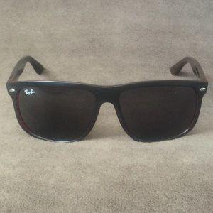 Ray-Ban Sunglasses RB4147